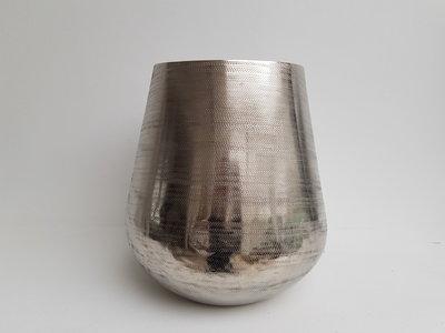 vaas aluminium, aluminium pot,bloempot aluminium,alu vaas,vaas colmore by diga,colmore by diga